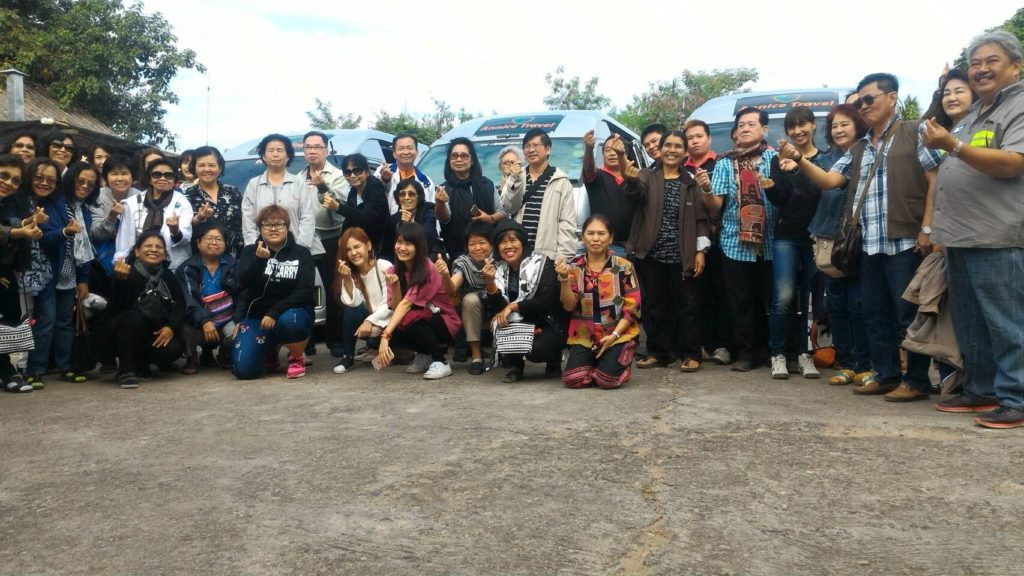 chiangmaivan บริการรถตู้เช่านำเที่ยวเป็นหมู่คณะ